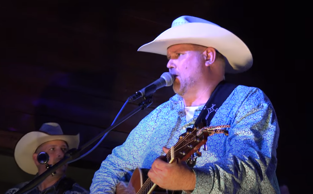Kenny Cooper Performs Live On Lake Conroe Friday May 14th